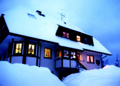 Haus Schlegel im Schnee